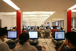 Tongji University,Lesesaal, Bibliothek der Tongji University, Universität, Campus, TFT-Screen, Flachbildschirme, Studenten, student, library