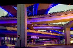 Gaojia motorway,Gaojia, elevated highway system, Hochstraße, Brücke, bridge, Autobahnring, Autobahnkreuz im Zentrum von Shanghai, Hochstrasse auf Stelzen, Kreuzung von Chongqing Zhong Lu und Yan'an Dong Lu, Expressway, blue illumination, blaue Illuminatio