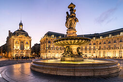 Drei Grazien-Brunnen, Place De La Bourse, Bordeaux, UNESCO-Weltkulturerbe, Gironde, Aquitanien, Frankreich, Europa , Fountain, Three Graces, Fontaine des Trois Graces, Fountain of the Three Graces, architecture, landmark, sightseeing
