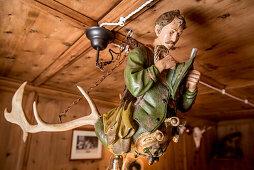 Geweihlampe, Lampe, Dekoration, Zirbenstube, Jägerstube, Winter, Innenaufnahmen, Südtirol, Italien, Alpen, Europa