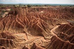 surreale Landschaft in Tatacoa Wüste (Desierto de la Tatacoa), Gemeinde Villavieja bei Neiva, Departmento Huila, Kolumbien, Südamerika