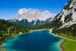 Seebensee mit Blick auf die Zugspitze, Ehrwald, Tirol, Österreich