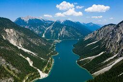Plansee mit Blick nach Norden, Tirol, Österreich