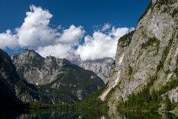 Obersee mit Kaunerwand, Watzmann, Hachelköpfe, Burgstall und Sagereckwand, Nationalpark Berchtesgaden, Berchtesgadener Land, Bayern, Deutschland, Europa