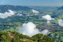 Wolkenstimmung über Himmelschrofen, Oberstdorfer Tal im Hintergrund, Himmelschrofen, Allgäuer Alpen, Allgäu, Bayern, Deutschland