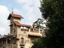 Quartiere Coppeda, Rom, Italien: Villino delle Fate, Art-Deco-Gebäude mit komplexer Architektur und goldenem Wanddekor