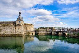 Zugang zur Ville Close von Concarneau, Bretagne, Frankreich, Europa