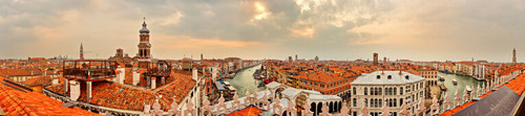 "Canal Grande and Rialto Bridge from the roof terrace ""Tedeschi"" in Venice, Panorama, Veneto, Italy"