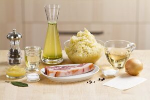 Ingredients with sauerkraut with bacon