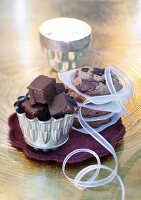 Christmas biscuits and cakes: Brownies and chocolate cookies