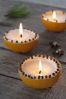 Aus Kerzenresten selbstgegossene Kerzen