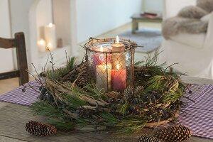 Adventskranz aus Naturmaterialien : Ranken von Clematis (Waldrebe)