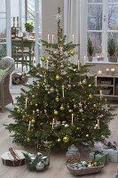 Grün - silberner Weihnachtsbaum