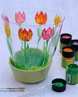 Tulpen auf Glasvase gemalt: 1/2