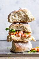 Sandwich mit Riesengarnelen und Mayonnaise