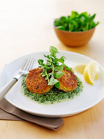 Chickpea patties with creamy spinach