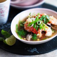 Shrimp soup with chili, coriander and lemongrass (Thailand)