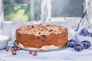 Pflaumenkuchen mit Vanille und Haselnussstreuseln