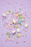 Zuckerstreusel, Marshmallow und bunte Streusel