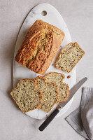 Kürbiskern-Chia-Brot mit Leinsamen und Sesam