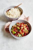 Orientalischer Baba-Ganoush-Salat mit Granatapfelkernen