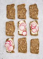 Glutenfreies Nuss-Saaten-Brot