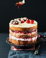 Mandel-Kirsch-Torte mit weißer Schokolade