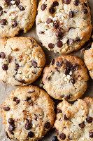 Vegane Chocolate-Chip-Cookies mit Mandeln