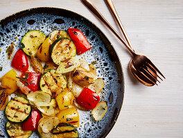 Gegrilltes Gemüse mit Marinade (zuckerfrei)