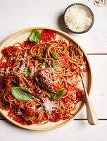 Nudeln mit Tomatensauce (zuckerfrei)