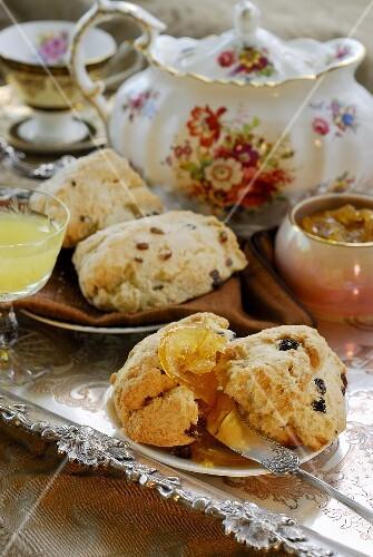 Fruit scones with orange marmalade and tea