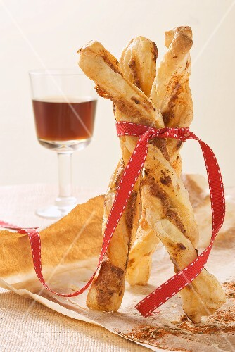 Spicy cheese straws