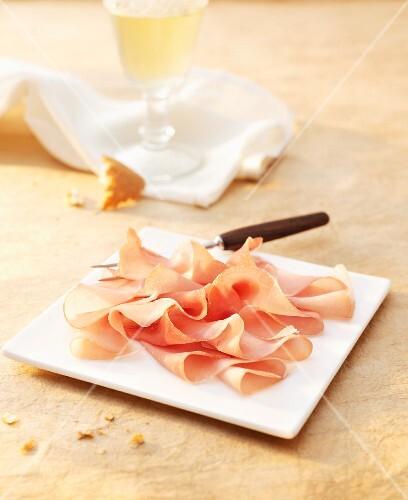 Sliced raw ham