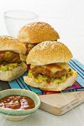 Mexican chicken burger (burger with guacamole and salsa)
