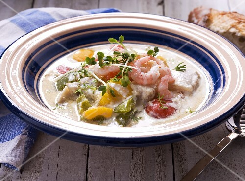 Fish soup with prawns and peppers