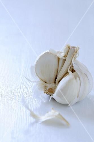 Garlic bulb, broken open