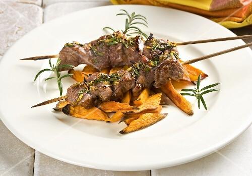 Lamb kebabs with rosemary, honey and sweet potaotes