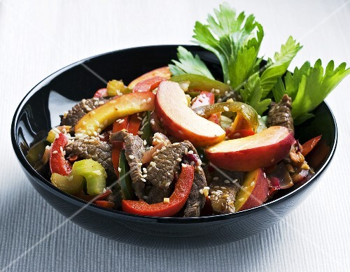 Beef salad with peaches and peppers