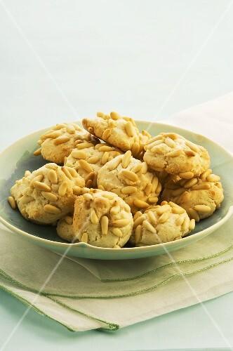 Italian pine nut biscuits