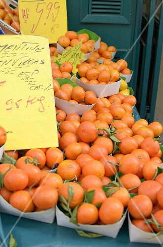 Fresh tangerines at the market