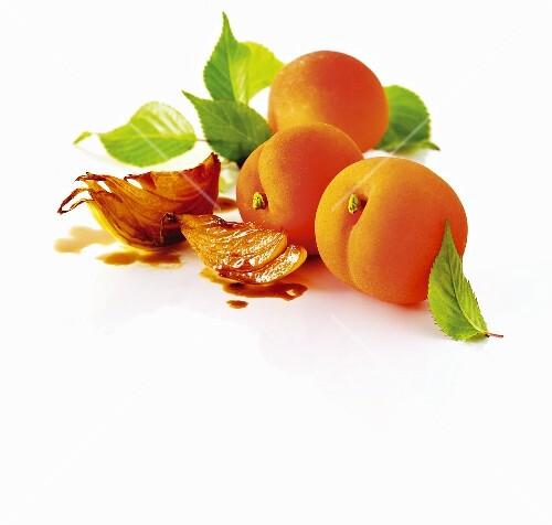 Apricots and shallots