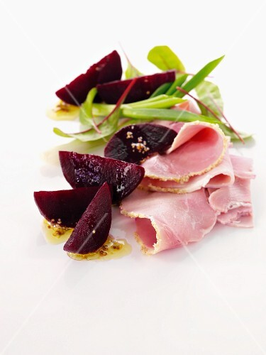 Pickled beetroot and ham