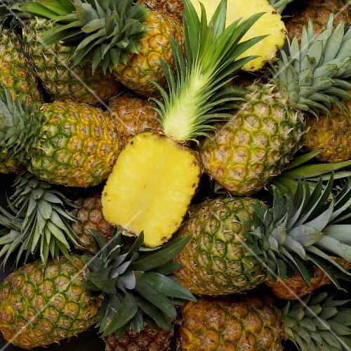 Pineapples (macro zoom)
