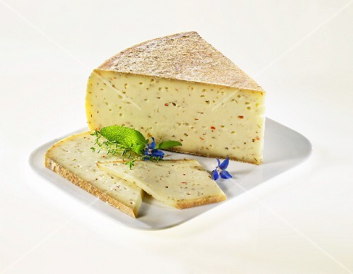 Lariano Speziato (Italian cheese)