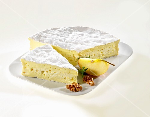 Maxi-Calvados (unpasteurised Camembert from Normandy)
