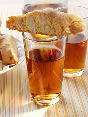Italian almond biscuits (cantucci) & Vin Santo in glasses