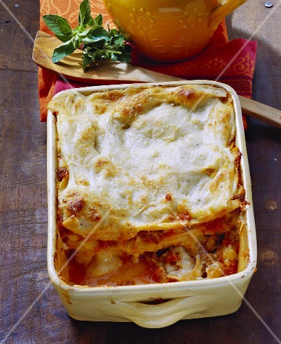 Lasagne al forno (Lasagne with mince sauce, Italy)