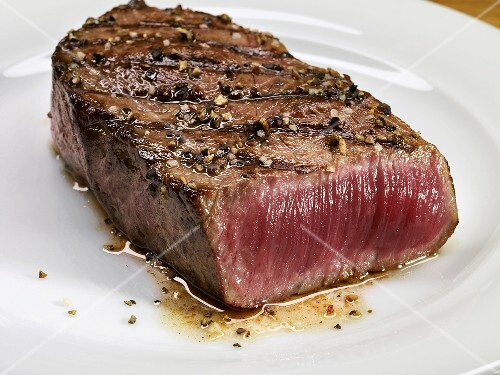 Grilled beef steak (rare)