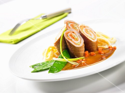 Pork roulade with creamy kohlrabi and spätzle (soft egg noodles from Swabia)