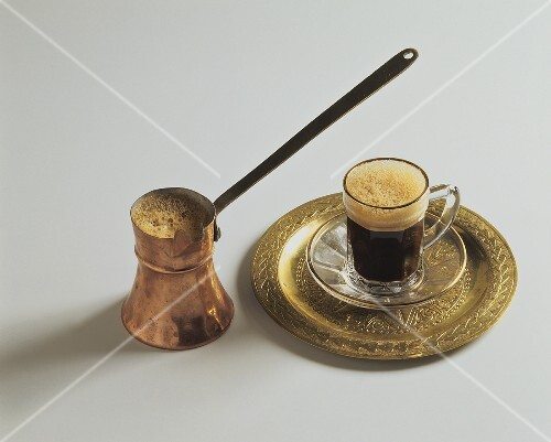Turkish mocha in small pot and cup